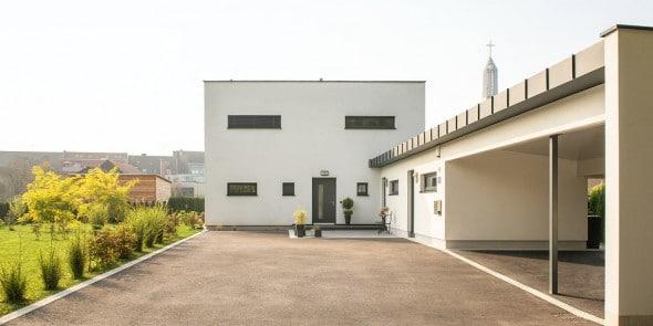 Einfamilienhaus, Ziegel-Massivhaus.